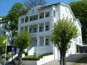 Urlaub mit Hund in Sellin auf Rügen in den schönen Ferienwohnungen der Villa Celia